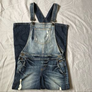 Guess distressed straight leg overalls size 25
